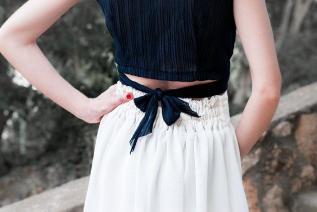 white_skirt_blue_top_guillerminaferrerdesign